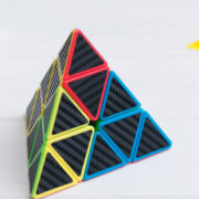 yulong-pyraminx-carbon-1