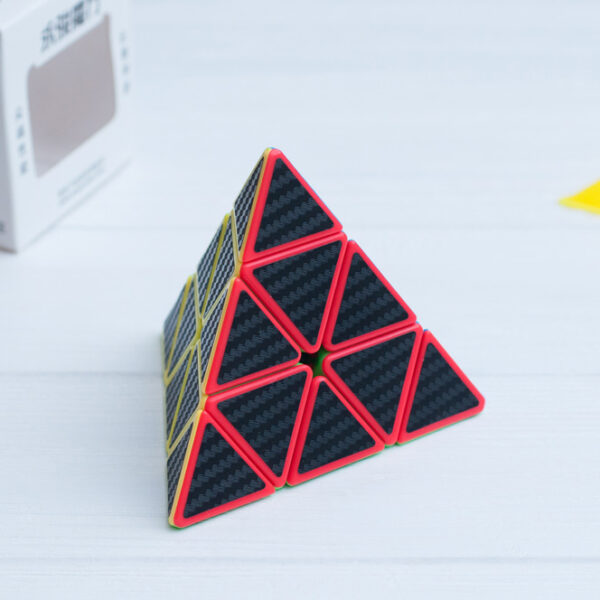 yulong-pyraminx-carbon-2