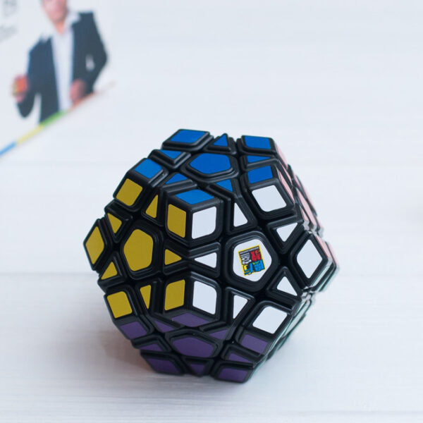 mf-megaminx-black-3