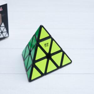 Пирамидка QiYi Ming черная