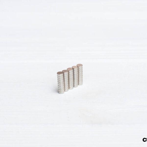 Магниты 4х1,4 мм N 35 (50 шт.)