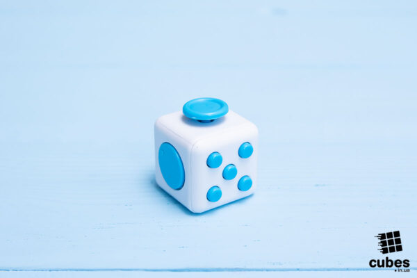 Fidget куб белый + голубой