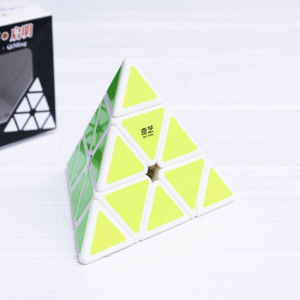 Пирамидка QiYi Ming (белый пластик)