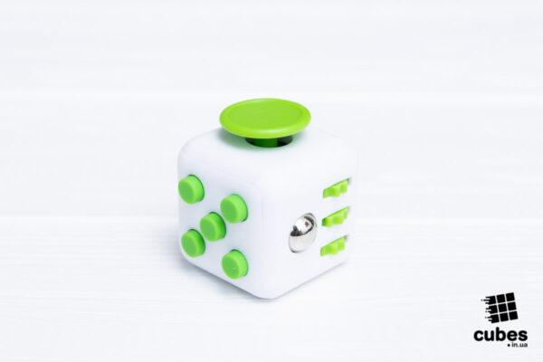 Кубик антистресс белый + зеленый (soft touch пластик)