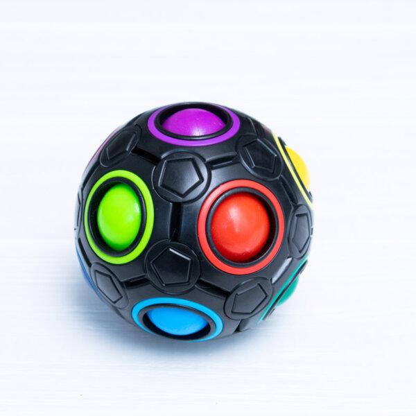 Головоломка FanXin Rainbow Ball черного цвета